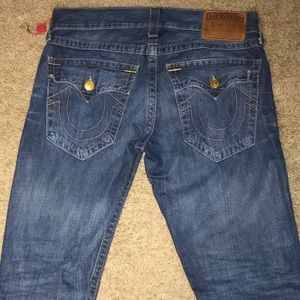 MEN TRUE RELIGIONS SIZE 32